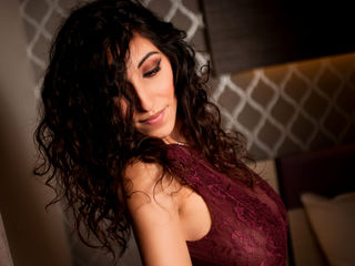 Voir le liveshow de  MayaDee de Livejasmin - 24 ans - Hello, good morning, good afternoon and good evening, and in case I don't see you again kisses f ...