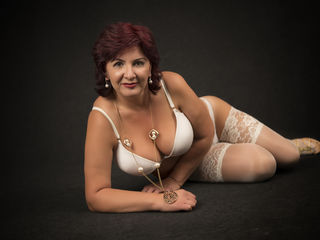 Voir le liveshow de  1Angelofsex de Livejasmin - 42 ans - Hot lady with endless lust. Not for the elderly alone.