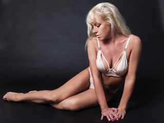 Voir le liveshow de  SexyLanaX de Livejasmin - 42 ans - Come and I will teach You everything You ever wanted to know about  i also like if u tich me s ...