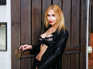 Watch BlondySexyLadi Live On Cam
