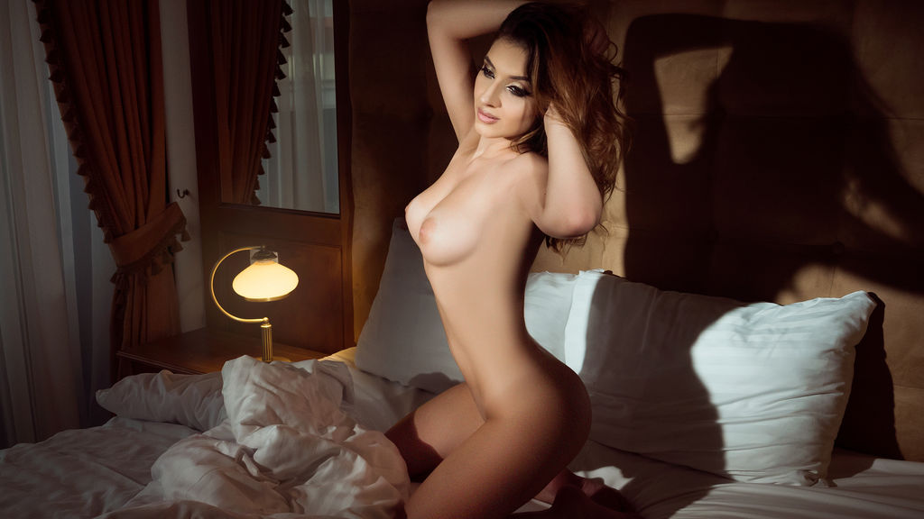 Watch the sexy EmmaWilderr from LiveJasmin at GirlsOfJasmin
